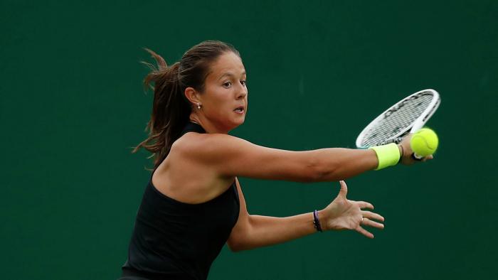 Касаткина победила Швентек и вышла в четвертьфинал турнира в Истбурне