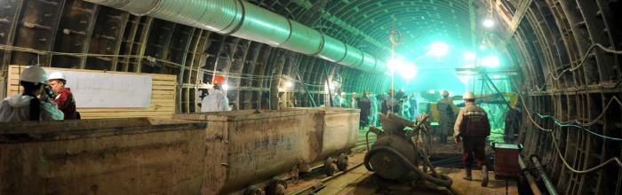 Андрей Бочкарёв: На реконструируемых станциях Каховской линии метро установят современные системы дымоудаления