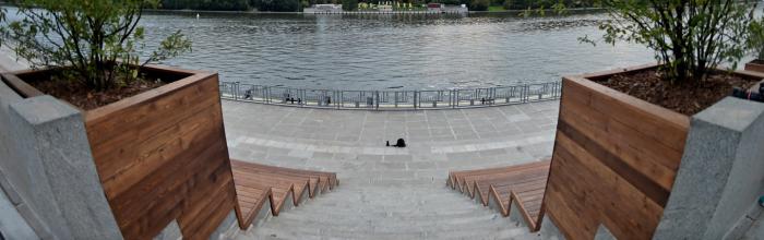 Андрей Бочкарёв: строительство причала и спусков к воде ведется на набережной Марка Шагала на юге Москвы